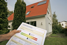 Energy efficiency certificate issued to the Wiegend family in Oldenburg.