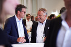 SWISS KRONO at the festive awarding oft he materialPREIS2018: Dirk Müller, Production Manager OSB, and master carpenter Harald Sauter