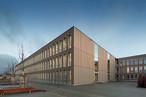 2019 ist dieses Frankfurter Gymnasium Europas größte Schulein Holz-Modulbauweise