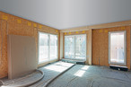 Schnelles Bauen durch vorgefertigte Wandelemente inkl. Fenster in Holzbauweise mit SWISS KRONO OSB/3