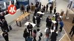 Blick auf den gut besuchten SWISS KRONO Stand auf der DOMOTEX 2018
