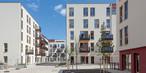 Verschiedene Perspektiven in die Innenhöfe des fertig errichteten und größtenteils bewohnten Quartier WIR