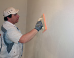 The KNAUF Rotkalk plaster system is quick and easy to apply (photograph: SWISS KRONO GmbH).